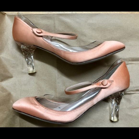6e05f918598 Valentino Rockstud Lucite Clear Heel Mary Janes